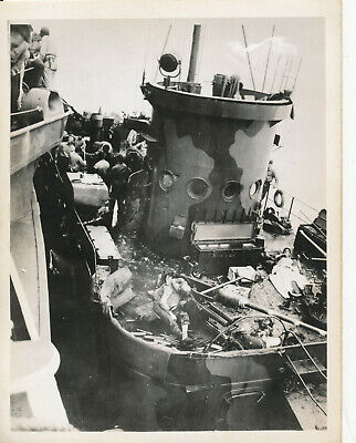 WWII 1940s South Pacific US Photo #18 wounded on hit Navy ship