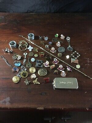 VINTAGE JUNK DRAWER LOT- Clown Pins COLLECTIBLES ~ PINS ~ KEYS ~ JEWELRY ~ Etc