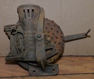 Rare corn sheller collectible farm cast iron antique early tool farm primitive