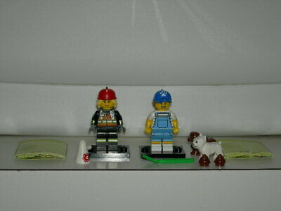 In Hand New 2019 71025 Lego Series 19 Female Fire Fighter/Dog Walker Set