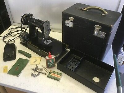 Vintage 1939 Singer 221 Featherweight Sewing Machine AF177700 Case & Accessories