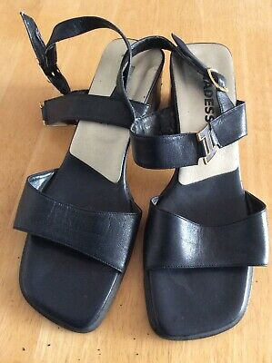 Ladies Navy Leather Sandals Adesso Size 4 Eu 37