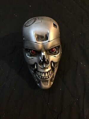 Terminator Skull Collectible Paper Weight?  Science Fiction Horror Movie Figure
