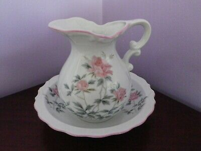 Fabulous Vintage Japanese Porcelain Flowers & Leaves Design Jug & Bowl Set
