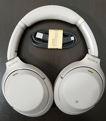 Sony WH-1000XM3/S Over Ear Headphones Noise Cancelling (WH1000XM3) (Silver)**