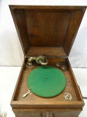Antique Marque Deposee Wind-Up Grammophone in Wooden Unit
