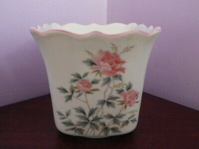 Fabulous Vintage Japanese Porcelain Peony Flowers Design Planter 11.5 Cms Tall
