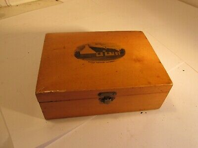 mauchline ware wooden box c1900      5.3 inch long