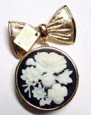 CAMEO BROOCH Estee Lauder Solid Perfume Compact 2005 Empty with Tag