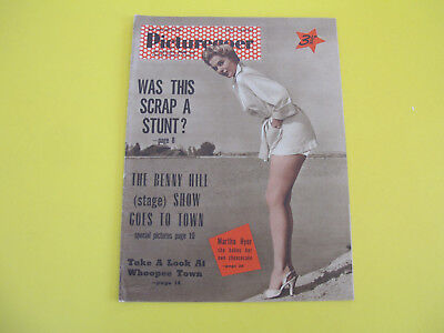 Martha Hyer on Front Cover 1955 Picturegoer Magazine Spangles Advertisement