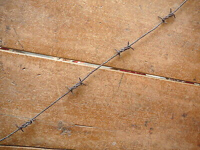 Abbotts Double Kink 4-Pt Single Line - Close Set - Rusty -  Antique Barbed Wire