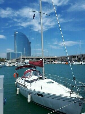 Barcelona Sailing Yacht, Sailing Boat Beneteau Oceanis 32 in Spain Barcelona