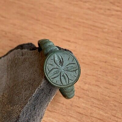 Ancient Viking Bronze Ring / Nice green patina