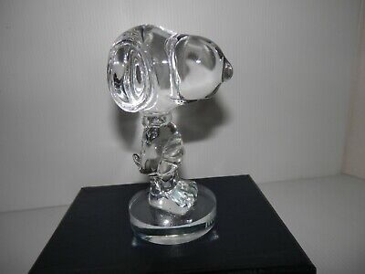 "Crystal Snoopy Met Life 2010 Figurine Paperweight  4.5"" tall"
