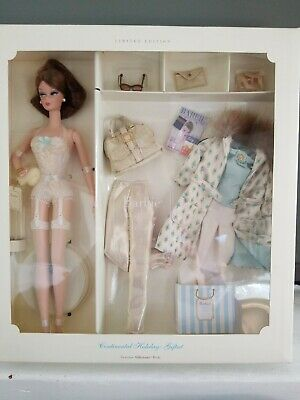 New 2001 Nrfb Continental Holiday Silkstone Barbie Gift Set