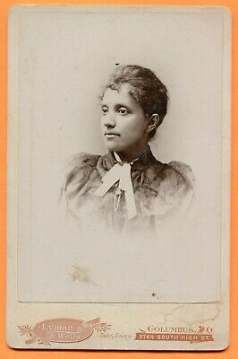 Columbus, OH, Portrait of a Young Woman, by Lyman & Wells, circa 1890s Backstamp