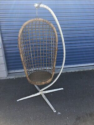 Vintage Mid Century Modern Rattan Wicker Bamboo Swinging Hanging Patio Egg Chair