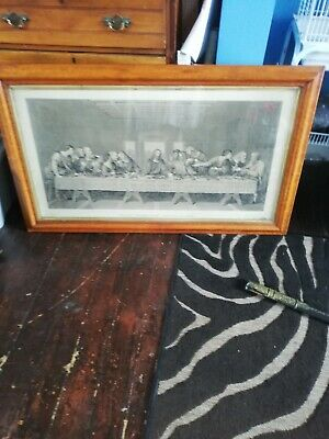 Very large print of the last supper, very old lovely frame. A bit of fluff has g