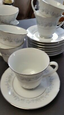 Noritake Contemporary Fine China Marywood Pattern  Set of 8 Cups & 8 Saucers
