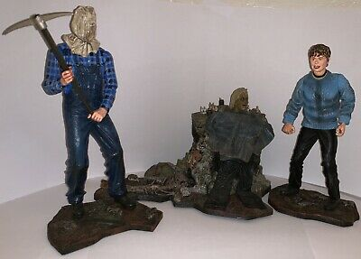 Friday the 13th Figure Set. Horror Figure Set. NECA Figure Jason Pamela Voorhees