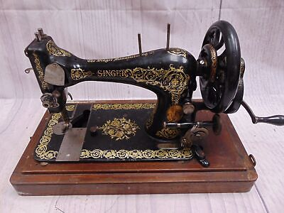 Antique 1895 SINGER Hand-Crank Sewing Machine Portable With Carry Case - O06