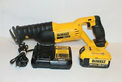 DEWALT 20v Variable Speed Reciprocating Saw DCS380 w/DCB204 Battery & Charger