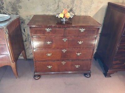Early 18th Century Walnut Chest of drawers c 1700