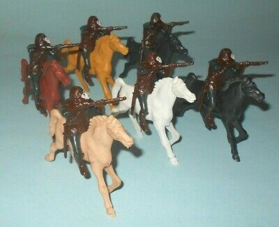 1960s Multiple Planet of the Apes Play Set Plastic 60mm Mounted Charging Apes