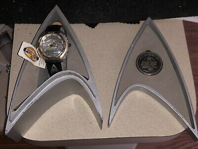 Star Trek USS ENTERPRISE Limited Edition Fossil Watch & Display Box with Coin