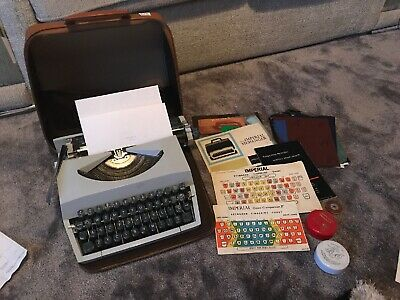 Vintage Imperial Good Companion Model 7 Portable Typewriter With Case