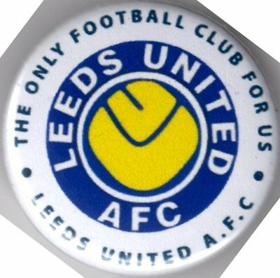 LEEDS UNITED AFC PIN(Button) BADGE - THE ONLY FOOTBALL CLUB FOR US - SMILEY MOT
