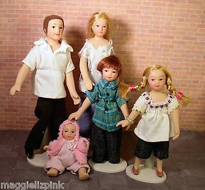 Dolls House Porcelain Dolls- Family of 5 in Jeans 1:12  modern   Streets Ahead