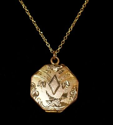 LOVELY Antique VICTORIAN GF Highly Detailed Etched Bird LOCKET Pendant Necklace