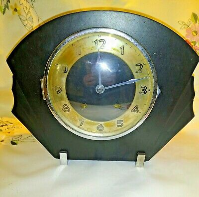 Vintage Mantle Clock With Pendulum Movement