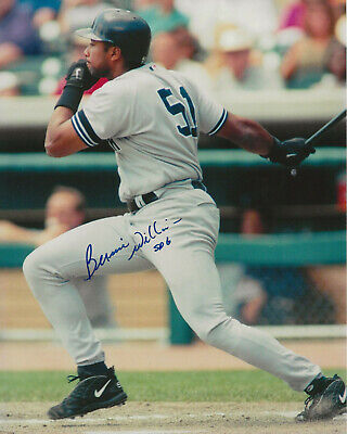 New York Yankees Bernie Williams Autographed 8x10 W/COA