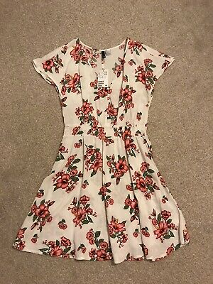 Beautiful H&M White Floral Dress Size 10 Never Worn With Tags