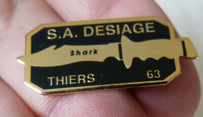 Beau Pin's Couteau Shark S.a. Desiage Thiers 63