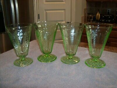 """Set of 4 Green Depression Glass PRINCESS 5 1/4"""" Footed Tumblers Glasses"""