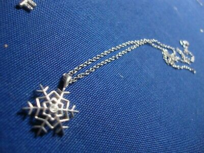 Grandmas Estate 925 Sterling Silver Diamond Snowflake Necklace