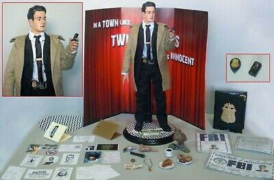Twin Peaks Dale Cooper collectible figure (one of a kind)
