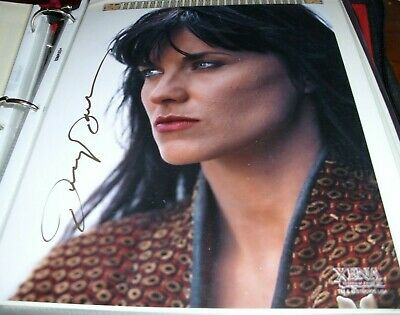 Lucy Lawless As Xena  Signed 8 X 10 Photo Creation Entertainment Coa