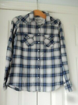 used womens/older girls shirt by marks and spencer in size 8