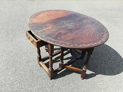 17th Century Oak oval  Gateleg table with drawer