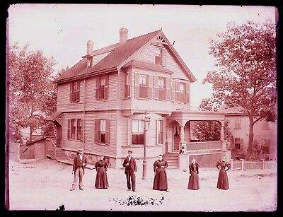LATE 1800s EARLY 1900s GLASS NEGATIVE, GREAT OLD HOUSE, TWO MEN, FOUR WOMEN ??
