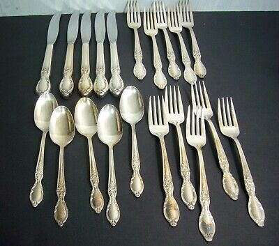 Service for 5 (20 pieces) Wm Rogers & Son Victorian Rose IS Silverplate 1954
