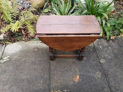 Antique Jacobean style solid oak occasional side end Coffee table rustic country