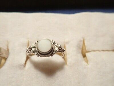 Grandmas Estate 925 Sterling Silver Ring