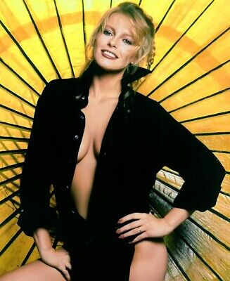 Cheryl Ladd Unsigned 8x10 Photo (77)