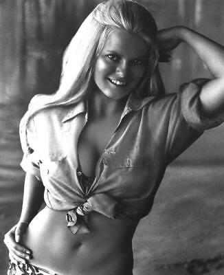 Cheryl Ladd Unsigned 8x10 Photo (92)
