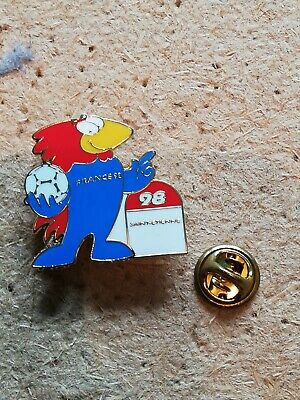 Pin's Pins Saint-Etienne France 98 world cup stade Geoffroy-Guichard football